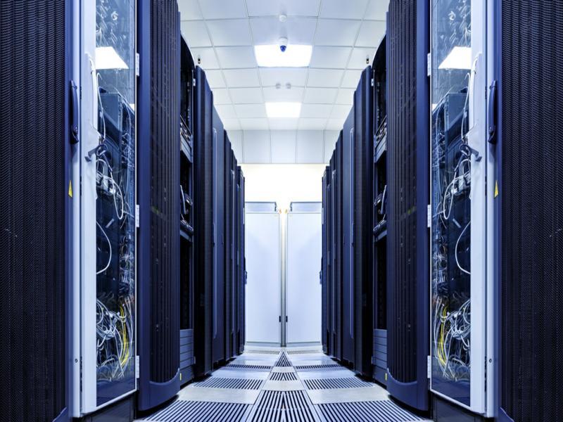 Confira cinco vantagens de ter um data center próprio
