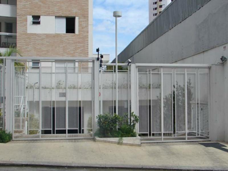 Saiba mais sobre a importância de nobreaks em portões de condomínios